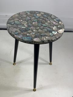 MID CENTURY ABALONE RESIN TOP TRIPOD TABLE - 1148795