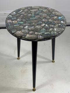 MID CENTURY ABALONE RESIN TOP TRIPOD TABLE - 1148796
