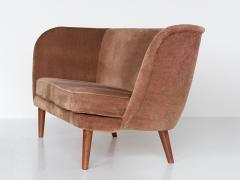 Maija Liisa Komulainen Maija Liisa Komulainen Asymmetrical Sofa in Velvet and Beech Finland 1950s - 1609781