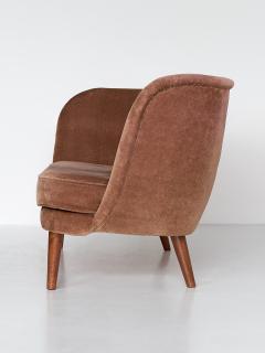 Maija Liisa Komulainen Maija Liisa Komulainen Asymmetrical Sofa in Velvet and Beech Finland 1950s - 1609782