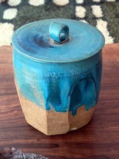 Makoto Yabe Ceramic pot with lid Japanese Mizusashi by Makoto Yabe - 1074667