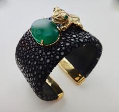 Michael Kneebone Emerald Botswana Agate Stringray 18k Gold Inca Frog Cuff - 1179574