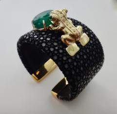 Michael Kneebone Emerald Botswana Agate Stringray 18k Gold Inca Frog Cuff - 1179576