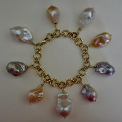 Michael Kneebone Michael Kneebone Baroque Colored Pearl 18 Karat Gold Charm Bracelet - 1021722