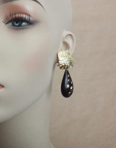 Michael Kneebone Michael Kneebone Black Diamond Ebony 18k Gold Petroglyph Dangle Earrings - 1290277