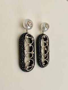 Michael Kneebone Michael Kneebone Black Shagreen White Pearl Diamond Dangle Earrings - 1651719
