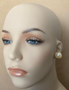 Michael Kneebone Michael Kneebone Button Pearl 18k Yellow Gold Button Earrings - 1467363