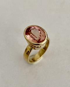 Michael Kneebone Michael Kneebone Morganite 18k Yellow Gold Leah Ring - 1939836