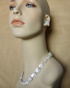 Michael Kneebone Michael Kneebone White Tile Pearl Earring Necklace Suite - 997702