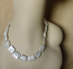 Michael Kneebone Michael Kneebone White Tile Pearl Earring Necklace Suite - 997707
