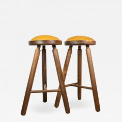 Micheal Rozell Pair of Michael Rozell Studio Bar Stools Figured Walnut and Leather - 1463030