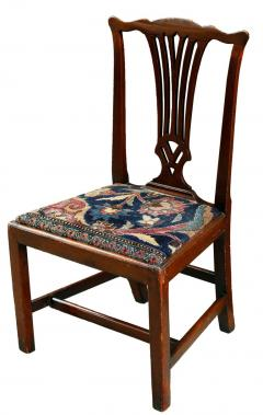 Mid 18th Century American Walnut Chippendale Chairs with Ushak Seats - 1708344