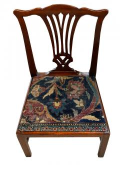 Mid 18th Century American Walnut Chippendale Chairs with Ushak Seats - 1708359