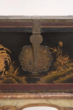 Mid 19th Century Chinoiserie Trunk - 1179220