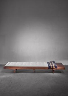 Mid Century Daybed with head table - 1247254