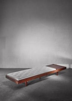 Mid Century Daybed with head table - 1247255