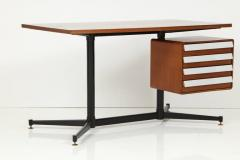 Mid Century Modern Desk in the Manner of Gio Ponti - 2051019