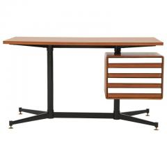 Mid Century Modern Desk in the Manner of Gio Ponti - 2051020