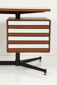 Mid Century Modern Desk in the Manner of Gio Ponti - 2051037