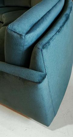 Milo Baughman 1960s Milo Baughman for Thayer Coggin Circular Sofa Fully Restored Teal Velvet - 1517969