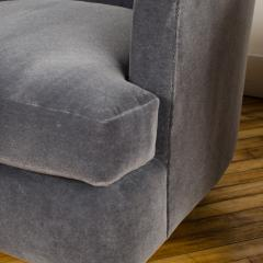 Milo Baughman A pair of Mid Century barrel back swivel chairs in the manner of Milo Baughman - 2033642