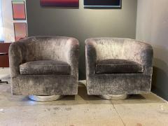 Milo Baughman Pair of Milo Baughman Swivel Lounge Chairs - 1946981
