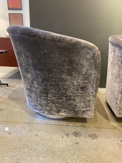 Milo Baughman Pair of Milo Baughman Swivel Lounge Chairs - 1946986
