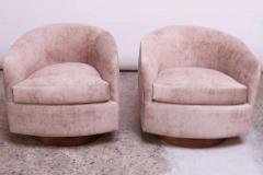 Milo Baughman Pair of Milo Baughman for Thayer Coggin Walnut and Suede Swivel Chairs - 1644749