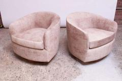 Milo Baughman Pair of Milo Baughman for Thayer Coggin Walnut and Suede Swivel Chairs - 1644753