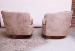 Milo Baughman Pair of Milo Baughman for Thayer Coggin Walnut and Suede Swivel Chairs - 1644766