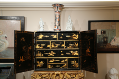 Mobile secretary in black lacquer painted in chinoiserie France 1700 - 1314189
