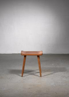 Modernist stool in old pine wood - 1702336