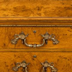 Morel and Seddon A fine George IV burr oak chest of drawers in the manner of Morel and Seddon - 1783663