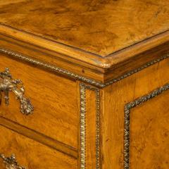 Morel and Seddon A fine George IV burr oak chest of drawers in the manner of Morel and Seddon - 1783665