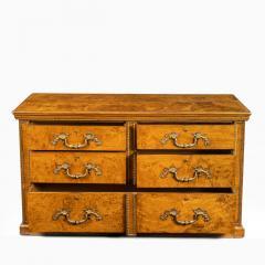 Morel and Seddon A fine George IV burr oak chest of drawers in the manner of Morel and Seddon - 1783669