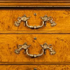 Morel and Seddon A fine George IV burr oak chest of drawers in the manner of Morel and Seddon - 1783670