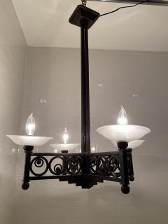 Muller Fr res French Art Deco Wrought Iron and Glass Chandelier - 1747288