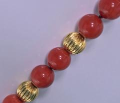 Natural Red Coral and Gold Necklace 20th Century - 474068