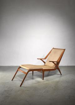 Oak lounge chair with fold out footstool - 1300594