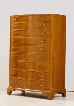Ole Wanscher Ole Wanscher Elm Wood Tall Bow Front Chest Of Drawers Circa 1950s - 1996003
