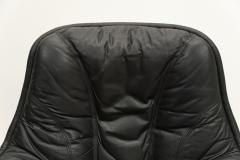 Overman Style Swivel Lounge Chair - 620547