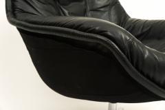 Overman Style Swivel Lounge Chair - 620548