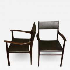 PAIR OF CHAIRS WITH ARMRESTS IN WOOD BLACK LEATHER - 2003898