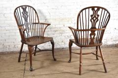 Pair of 18th century English George III Yew Wood Cabriole Leg Windsor Chairs - 1051200