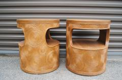 Pair of Carved Round End Tables in the Aesthetic of Gabriella Crespi - 1280418