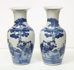 Pair of Chinese Export Vases - 1311186