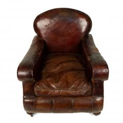 Pair of English Victorian Brown Leather Club Chairs - 1403541
