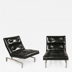 Pair of Italian Mid Century Modern Cantilevered Lounge Chairs - 1879916