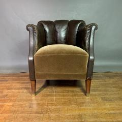 Pair of Late 1930s Channel Back Leather Club Chairs - 1347312