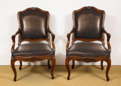 Pair of Louis XV Style Walnut Fauteuil - 735775